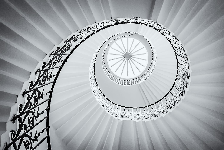 PhotoDaniel is a Wedding Photographer established in London since 2009
